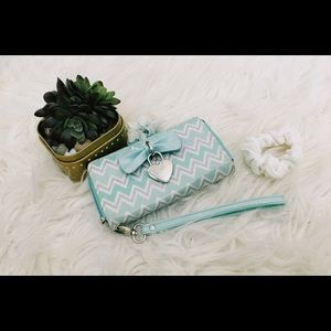 Mint and White Chevron Claire's Wallet